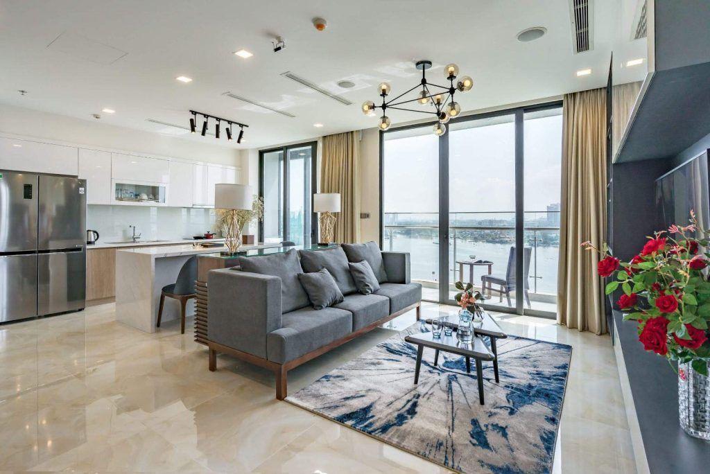 Phòng khách và bếp căn hộ 3PN cho thuê Vinhomes Golden River