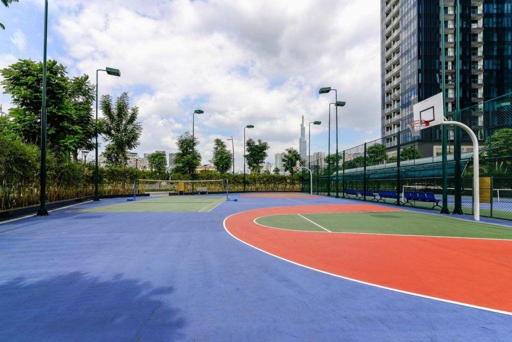 Sân bóng rổ nội khu Vinhomes Golden River Bason